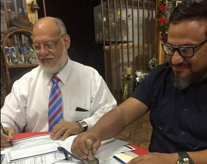 Presidente del PRN, Carlos Avendaño, con su hijo Juan Carlos, proveedor en la campaña de Fabricio Alvarado.