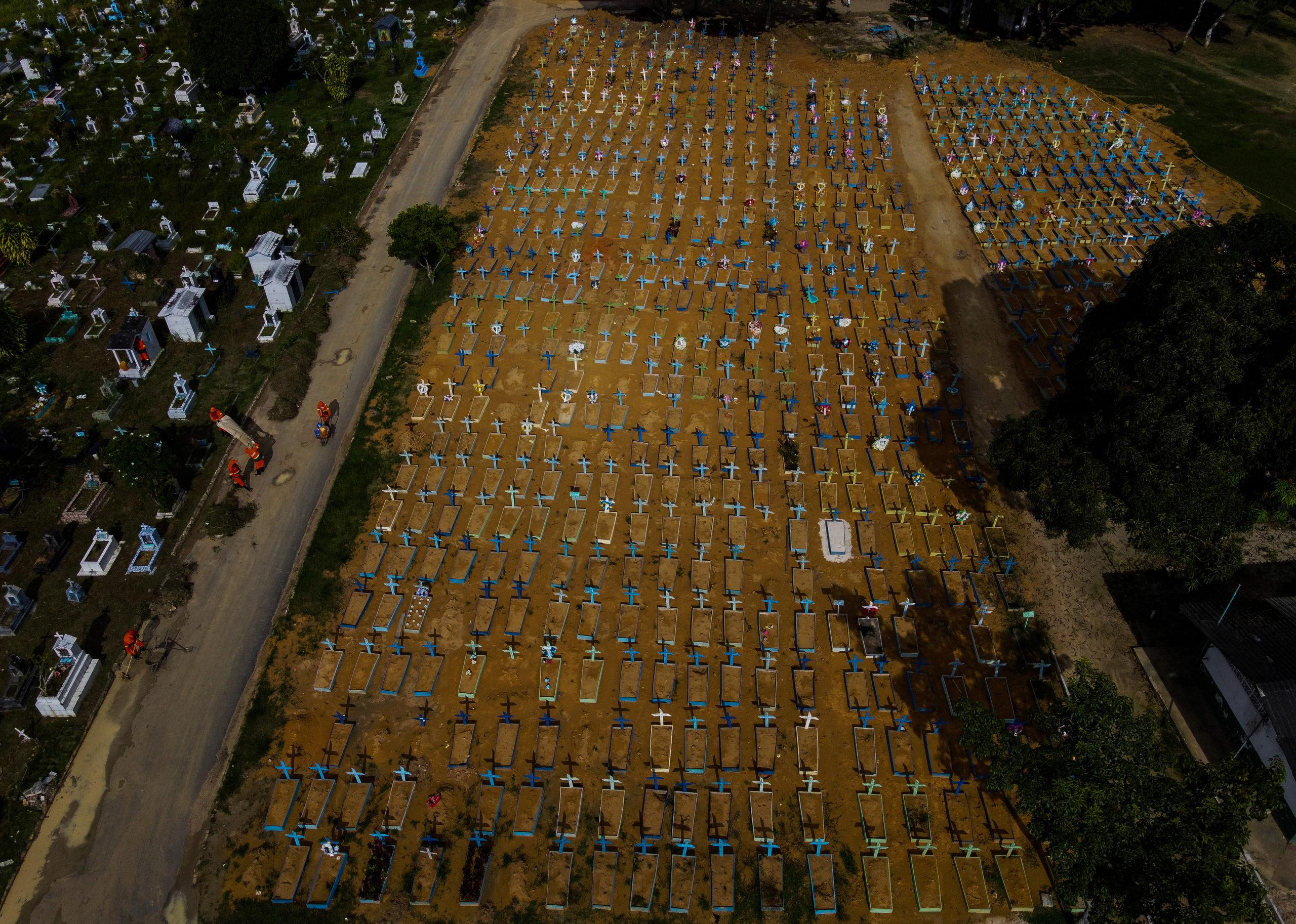 Brasil supera las 400.000 muertes por Covid-19 • Semanario Universidad