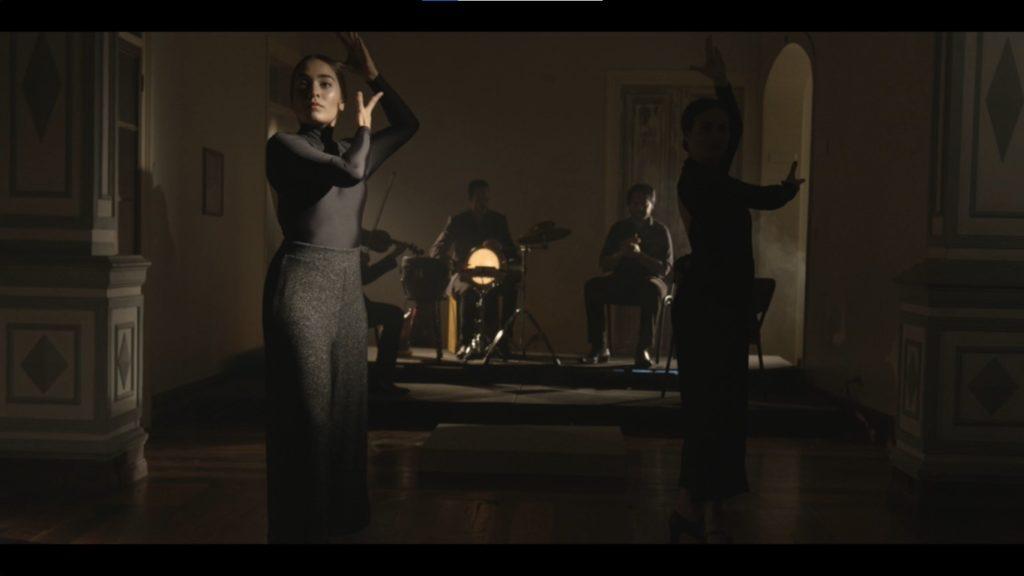 Videodanza Asedio nace de la inquietud artística de las bailaoras Milena Picado y Adriana Marín. (Fotogramas del video)