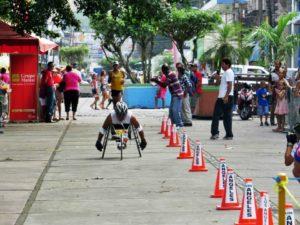 La Clásica CUNLIMÓN intenta acercar al centro educativo a la población limonense y permite la participación de atletas profesionales y principiantes. (Foto: CUNLIMÓN)