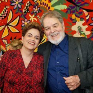 El jurista costarricense Walter Antillón con la presidenta Dilma Rousseff, en Brasilia, donde la visitaron luego de concluida la actividad del Tribunal.