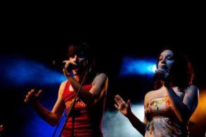 Por algunos años, Rodríguez cantó con el grupo nacional Rialengo Cumbia.