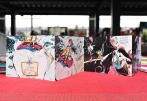Cuentos Ilustrados es una de las iniciativas que se expone en Casa del Cuño, ofrecen microcuentos ilustrados en tarjetas postales
